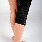 Ortéza kolenní s dvouosým kloubem
