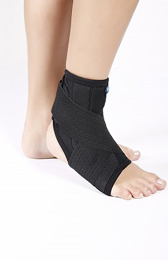 Ankle brace with pad supports