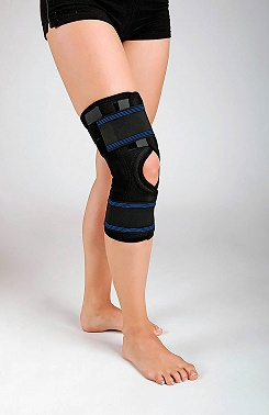 Knee brace with biaxial joint