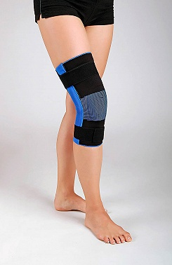 Knee brace, short with joints