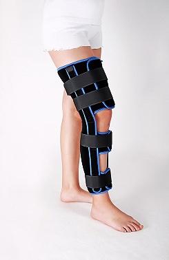 Panopflex knee fixation brace with 20° flexion